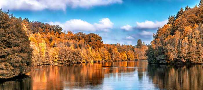 fall is a wonderful time to enjoy shopping, dining, and the wonderful sights in Chalfont, Bucks County PA